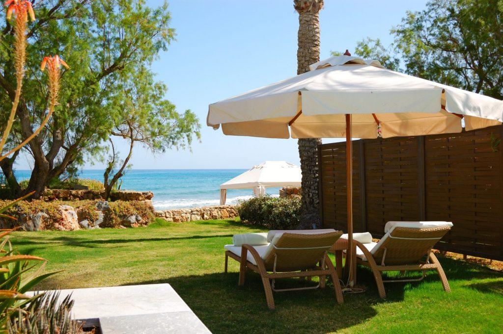 De ce o vilă privată de lux este cea mai bună opțiune de vacanță în această vară